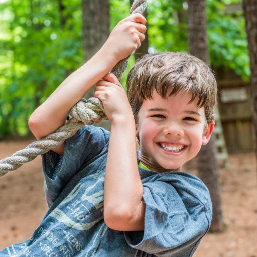 camper-on-rope